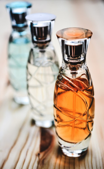 How To: DIY Perfume Made With Essential Oils - Nicole Yie