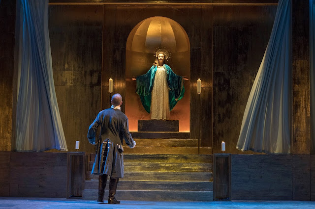 English Touring Opera - Handel: Giulio Cesare - Christopher Ainslie, Soraya Mafi (Photo Richard Hubert Smith)