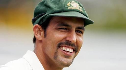 Australian Mitchell Johnson announces retirement from all forms of cricket