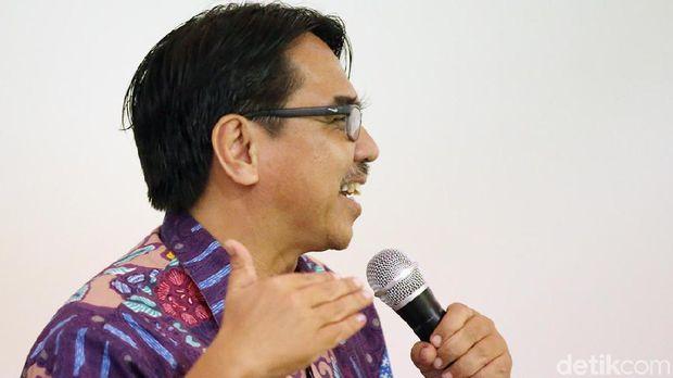 SAB Bantah Perkosa Staf Dewas BPJS TK, Ade Armando Ungkap Chat Romantis
