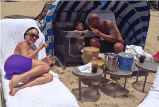 Burbu Angelique en la Playa