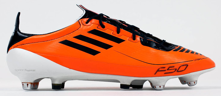 new arrival 82020 7ddb2 Die Adidas F50 Adizero Prime Schuhe, die 2011 mit einer orangen  Farbvariante eingeführt wurden, ...