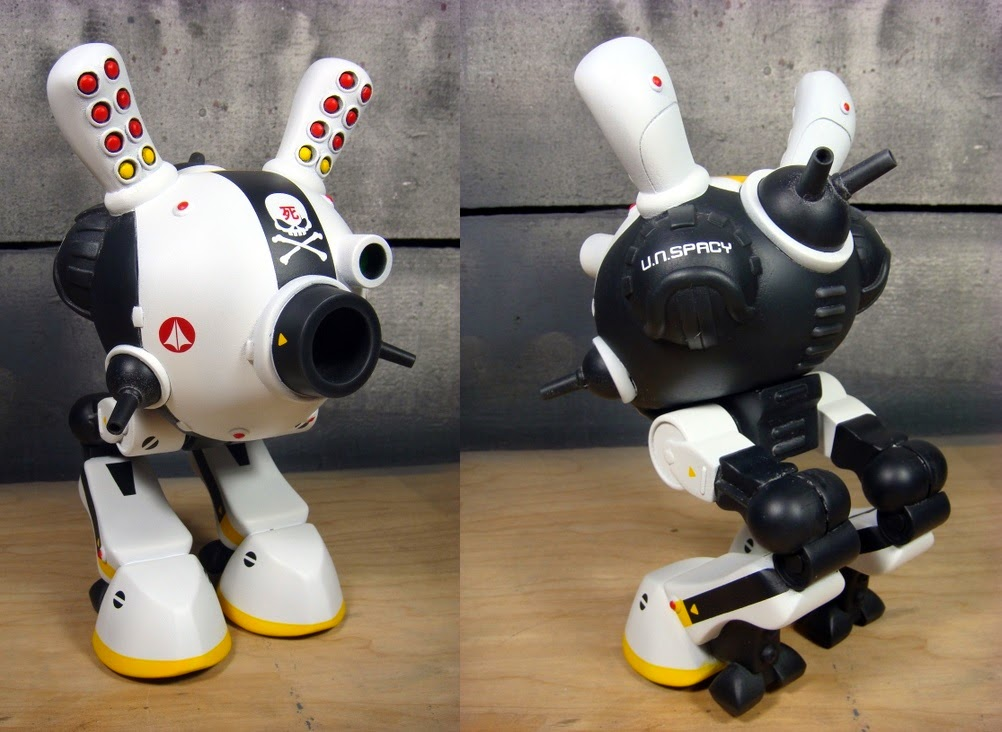 Skull Leader Custom Dunny Vinyl Figure by Huck Gee