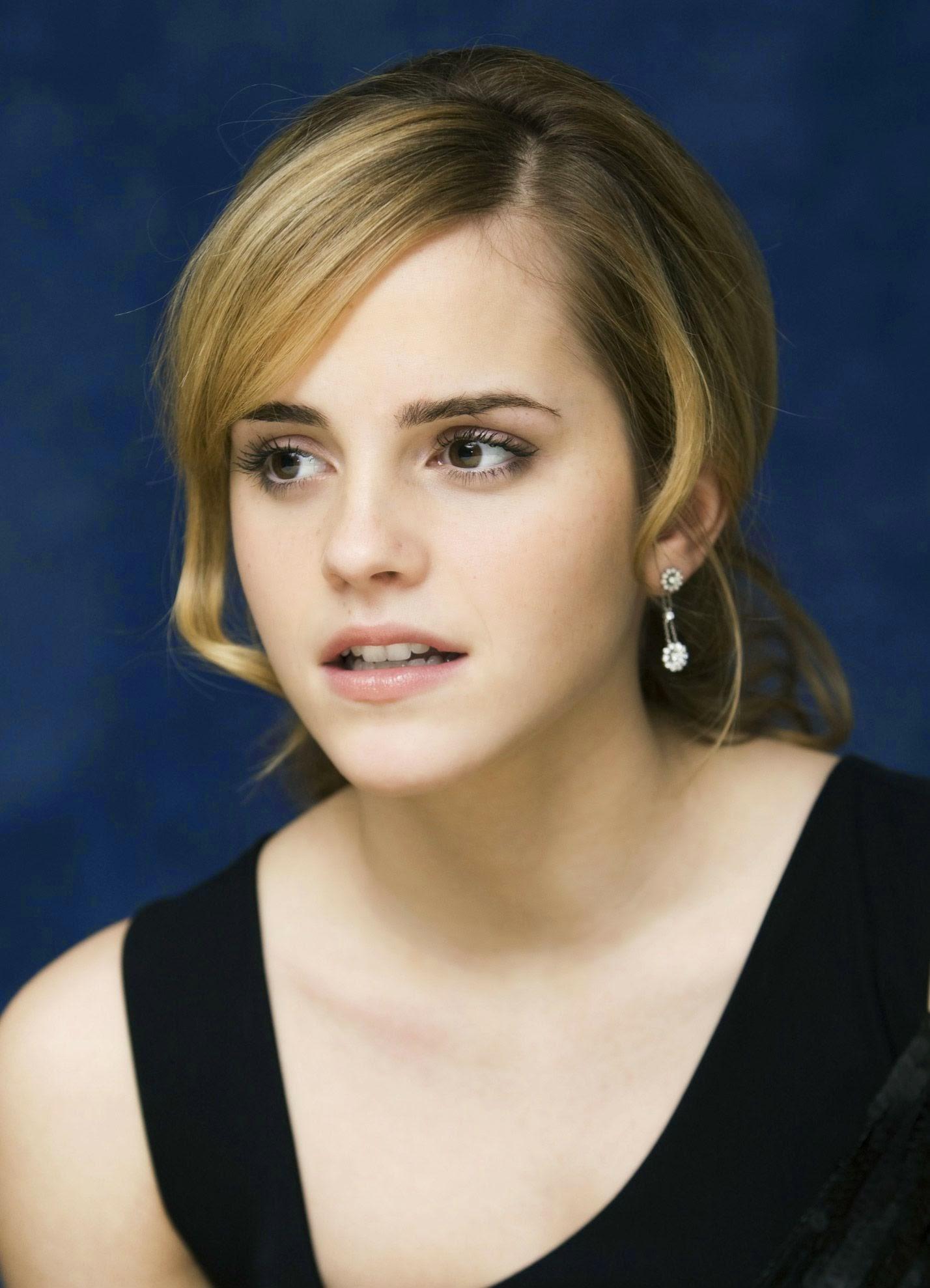 Emma Watson Hollywood Actress 40 Fantastic Photos: Emma Watson Pictures Gallery (80)