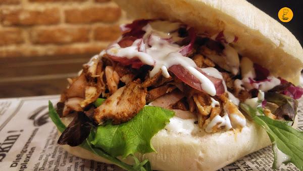 Shawarma de pollo Perú Style en Sanguchón Madrid