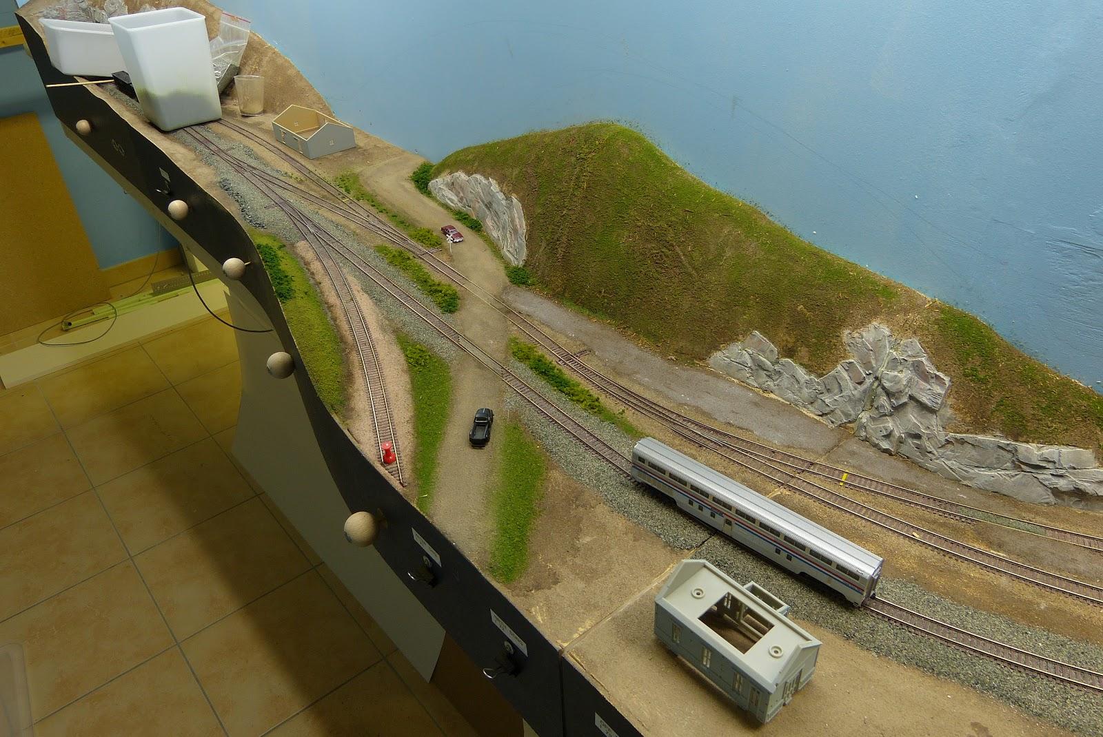 Scenery work on Red-Rock section | Model Railroad Hobbyist
