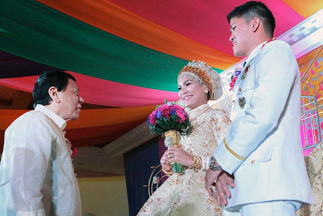 Ninong Digong? President Duterte Attends the Wedding of His Aide-De-Camp as the Couple's Godfather!