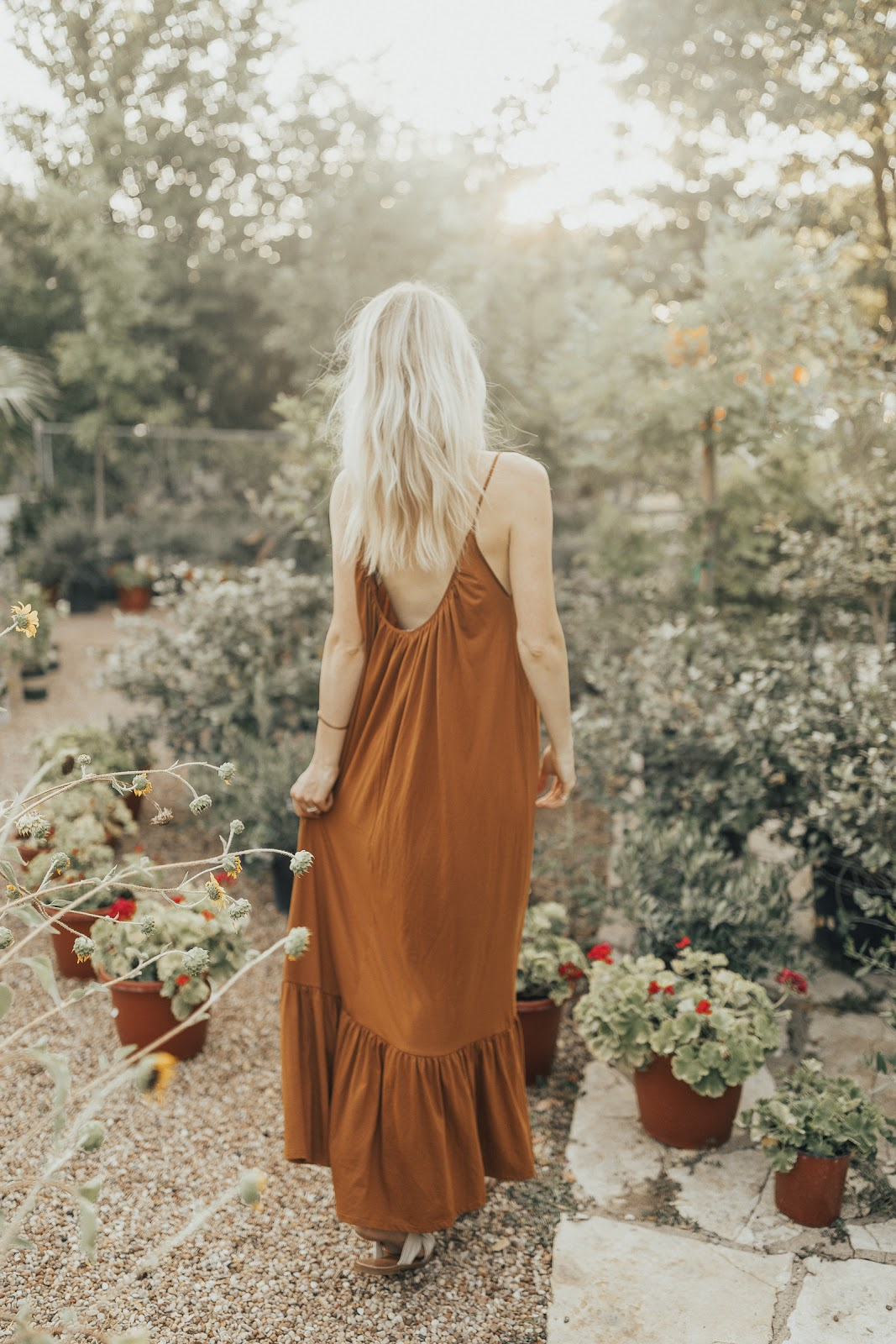 garden walks / low-back maxi dress