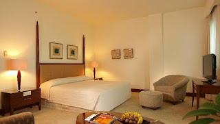 santika hotel, penginapan untuk wisatawan bisnis dan hiburan