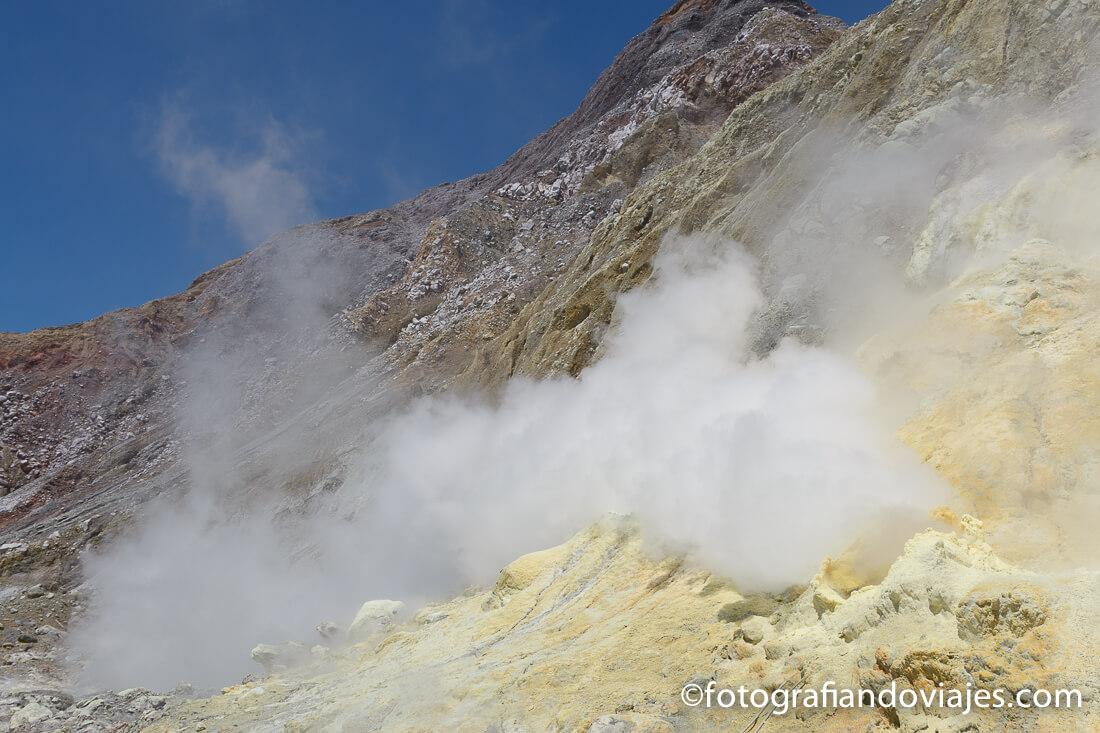 fumarolas White Island, isla Blanca o Whakaari en Nueva Zelanda