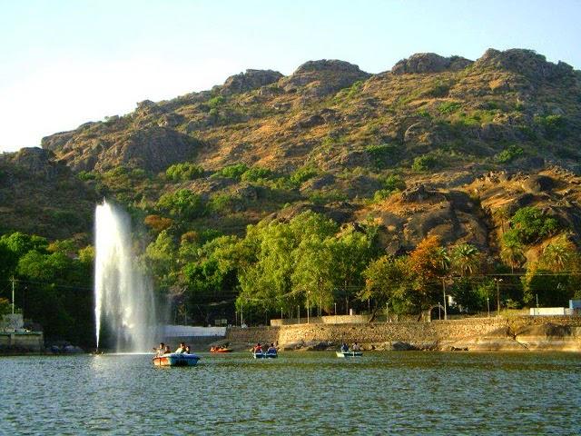 Nakki Lake in Mount Abu, Rajasthan