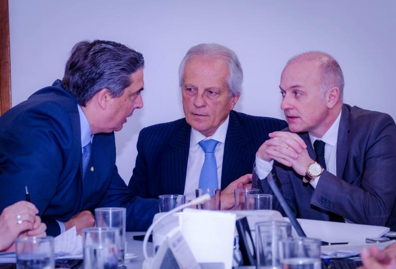 Estado foi representado pelo vice-governador Cairoli, o secretário Giovani Feltes e o procurador-geral, Euzébio Ruschel - Foto: Renato Menezes/AGU