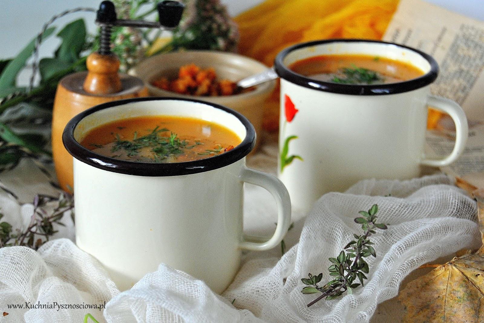 643. Zupa krem z marchewki z prażoną soczewicą
