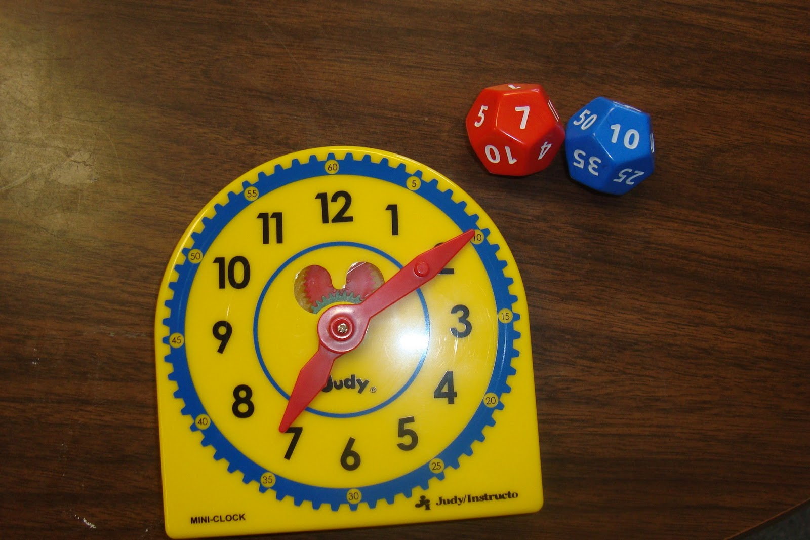 The Elementary Math Maniac Common Core Standards For Telling Time And A Fun Game To Help Your