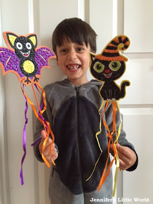 Halloween crafts for children with Baker Ross