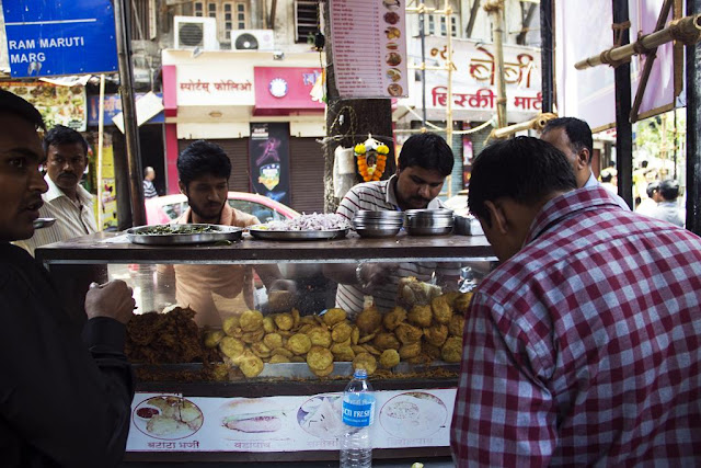 our world tuesday, streetfood stall, streetfood, street photography, streetphoto, shivaji park, dadar, mumbai, india,