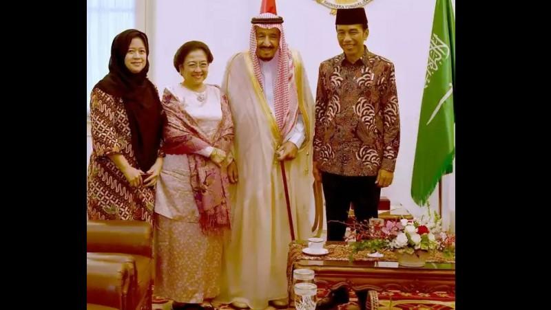 Raja Salman dan Jokowi berfoto dengan Mega-Puan Maharani