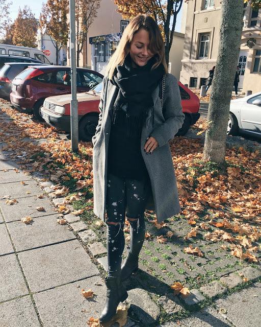 Farbklecks Jeans von Zara bei Bloggerin Jaci von Fashion Blog Fleur et Fatale