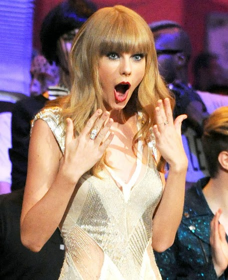 Taylor Swift surprised MTV Awards randommusings.filminspector.com