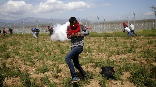Flugblatt ruft Migranten zum Grenzsturm auf - Makedonische Polizei setzt Tränengas ein