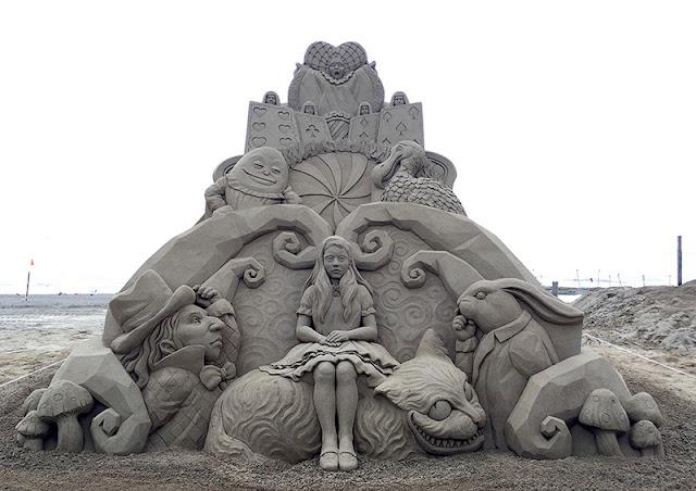 Patung Pasir Keren 1