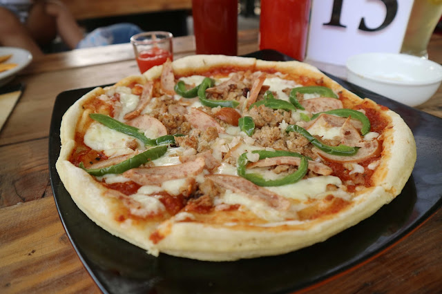 Kedai Om Gendut, Kuliner Pizza di Banjar Patroman!