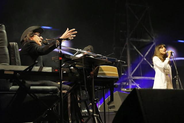 Charly García tocó en el teatro Coliseo y fue ovacionado por tres generaciones de fans
