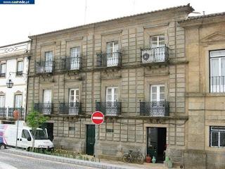BUILDING / (2) Casas Antigas, Praça D. Pedro V, Castelo de Vide, Portugal