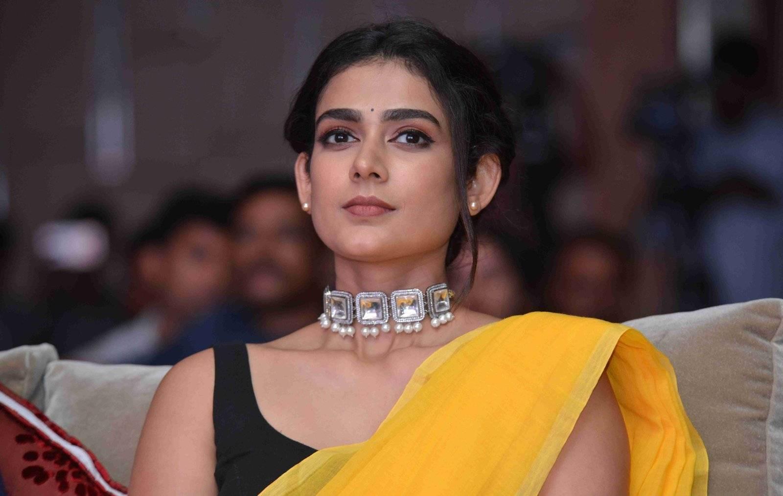 Aakanksha Singh In Yellow Saree At Pailwaan Film Press Meet