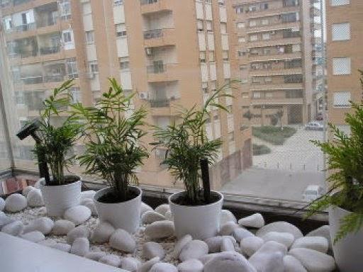 Mi rinc n de sue os ideas para decorar el balc n for Jardines pequenos con piedras blancas