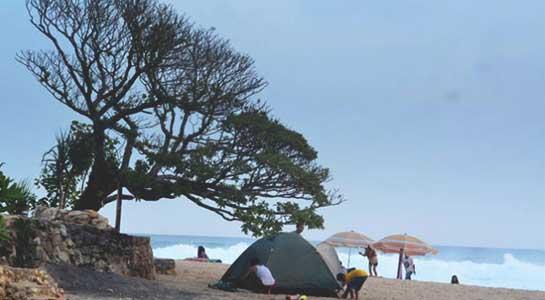 Camping di Pantai Pok Tunggal