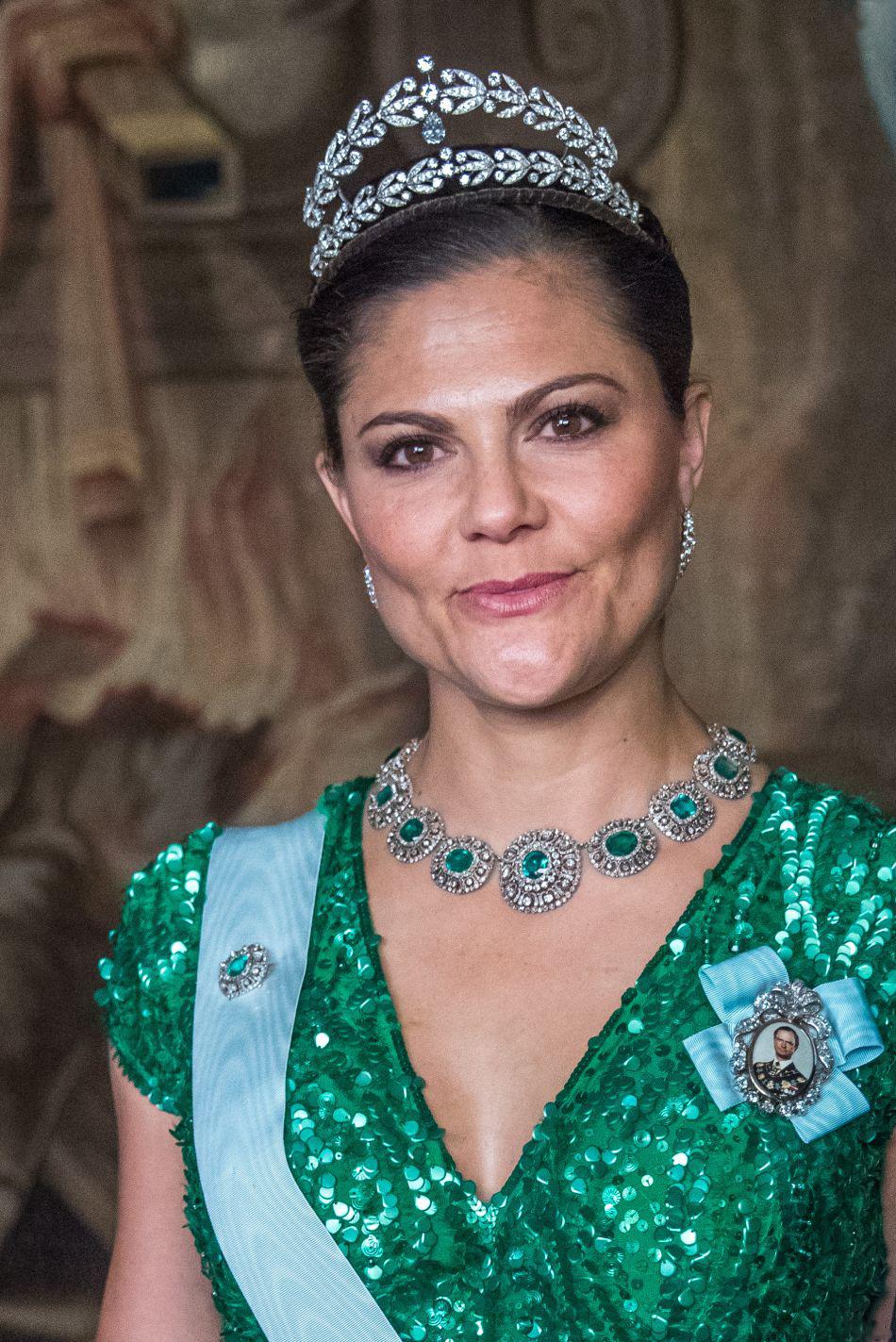 Swedish Crown Braid Tutorial: Royal Family Around The World: The Swedish Royal Family