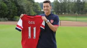 Foto Mesut Ozil Bergabung dengan Arsenal