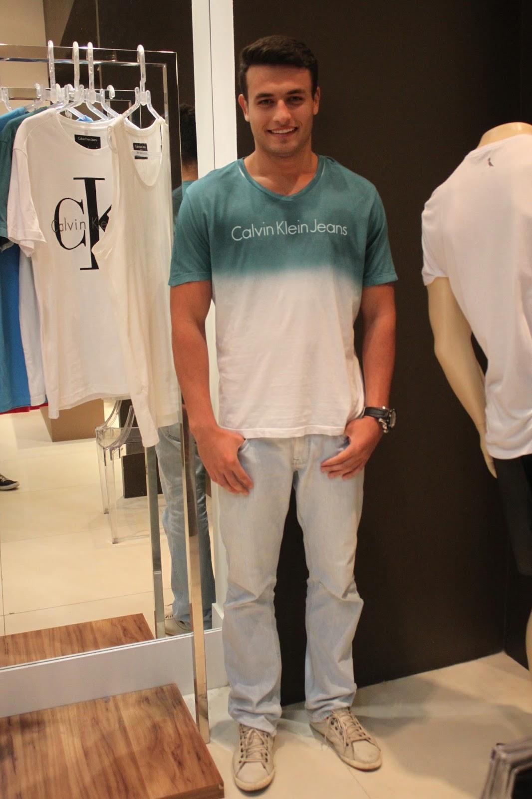 0245ff7510a29 Top Luiz Kifer de Calvin Klein by Donna