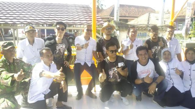 PT.Djarum Bersama Group Band Seventen Apresiasi Desa Tanjung Raman