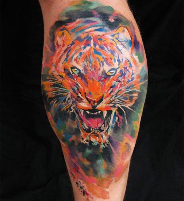 tatuaje de tigre en estilo acuarela