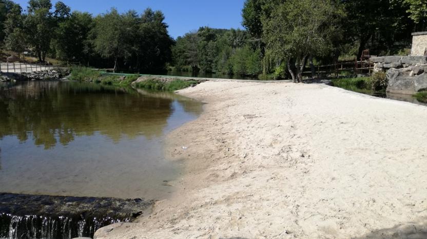 Areal da Praia Fluvial de Rapoula