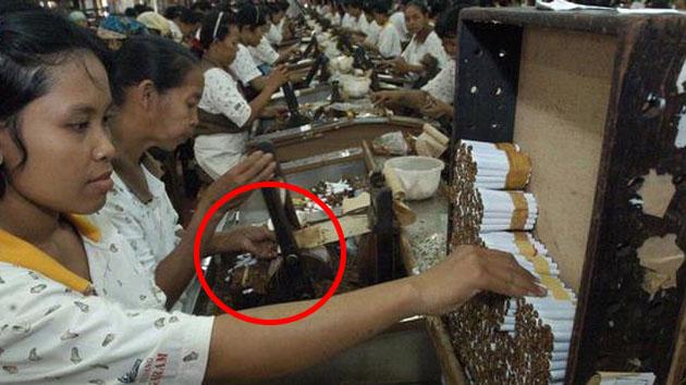 NGERI!!! Inilah yang Dilakukan Pembuat Rokok yang Sangat Membahayakan Kesehatan Perokok