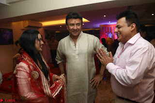 Sachin Tendulkar with his wife at Mata ka Jagrata hosted by Anu Malik 26.JPG