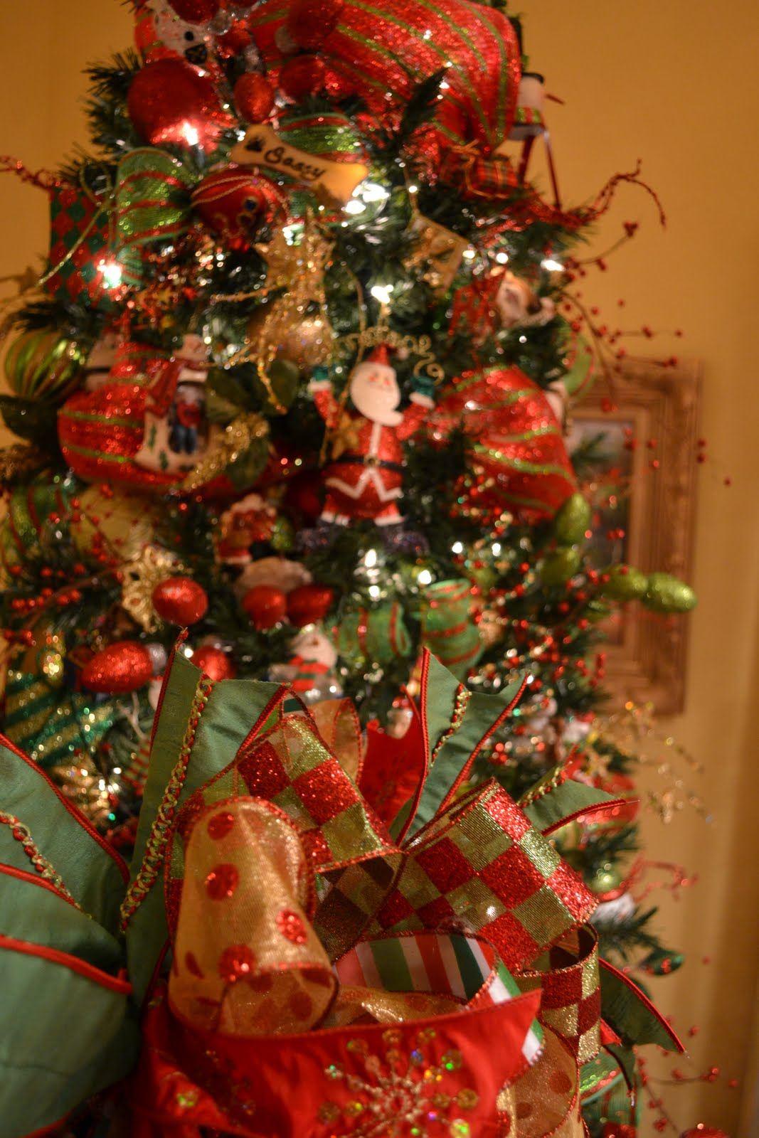 Christmas tree decorations with mesh - photo#45