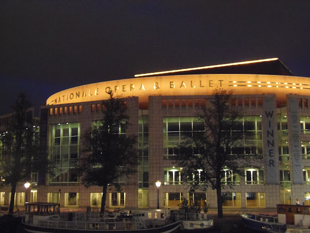 Nationale Opera Ballet. Amsterdam. http://psychologyfoodandfitness.blogspot.co.uk/2016/07/travel-diary-i-am-amsterdam.html