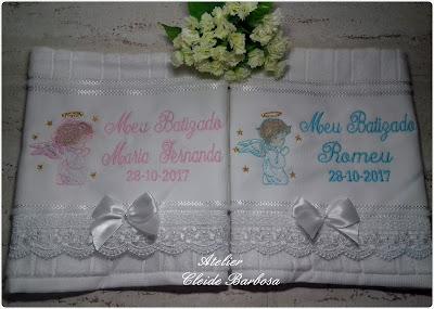 toalha de batizado para gêmeos