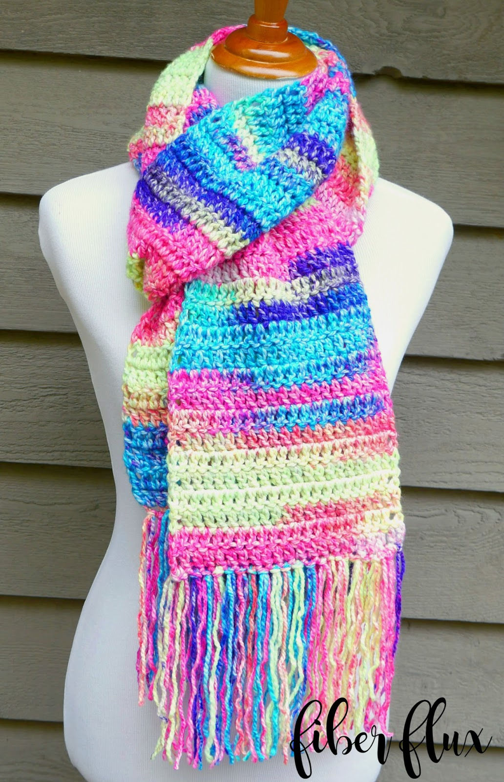 Fiber Flux: Free Crochet Pattern...Absolute Beginner Crochet Scarf!