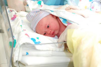 اتفاق زوجان علي الولادة في المنزل والنتيجة وفاة الزوجة