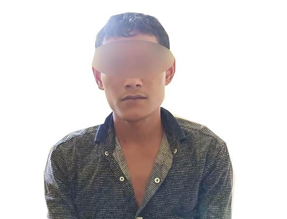 Tersangka pemerkosa putri kandungnya sendiri saat di kantor polisi.