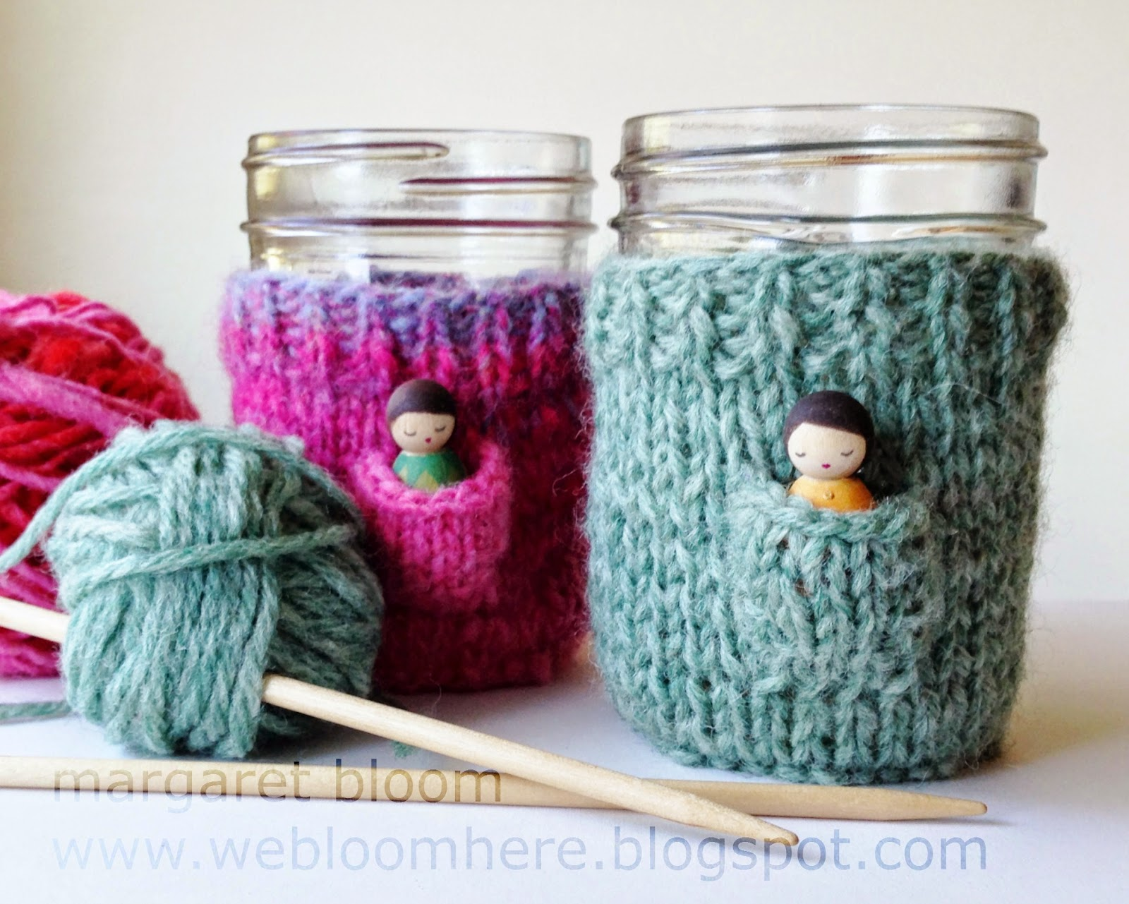 http://webloomhere.blogspot.com/2014/11/knitting-fairy-cup-cozy.html