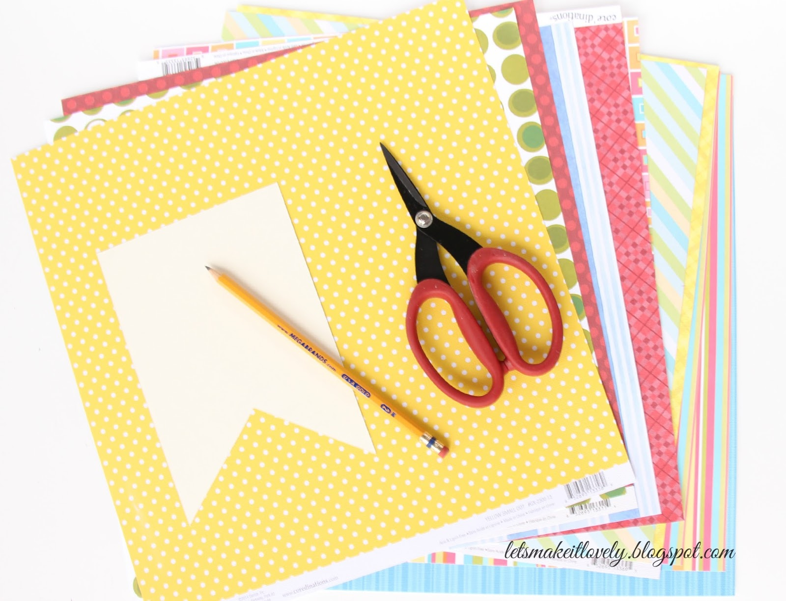Let's make it lovely: DIY Colorful Bunting Birthday Banner