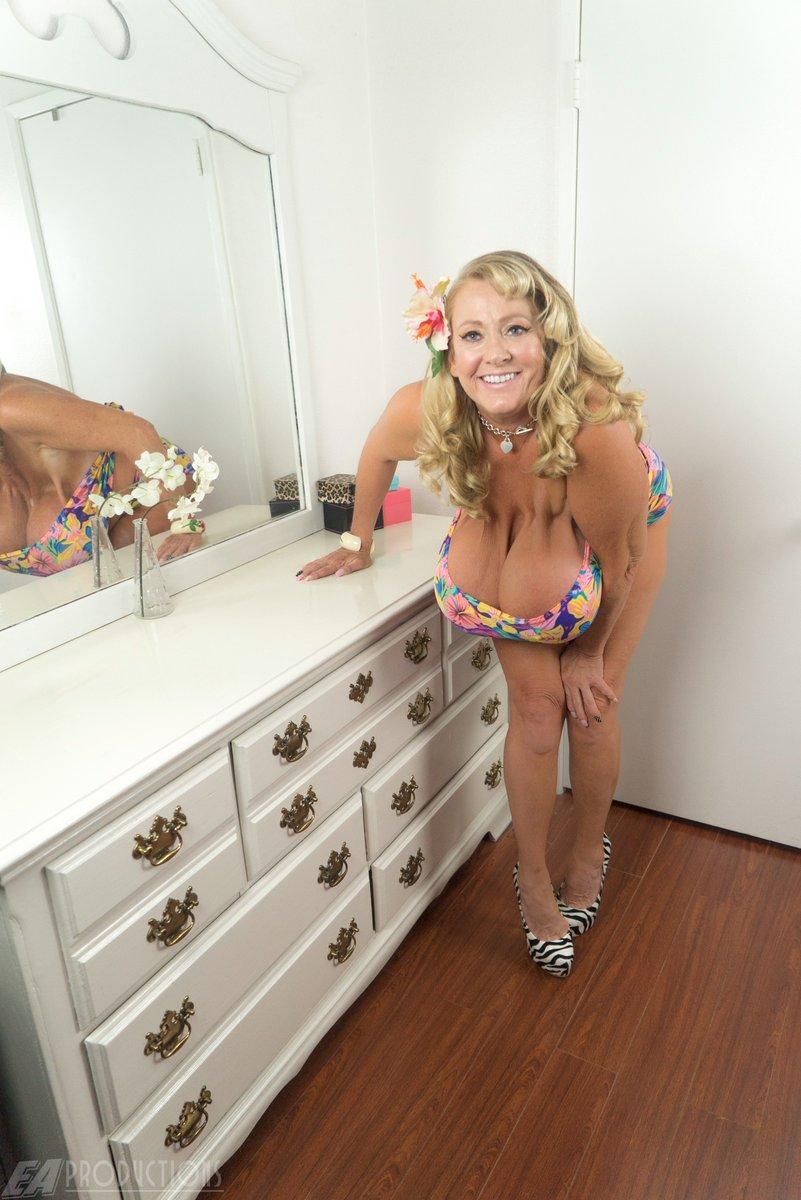 teen tits porn bikini self