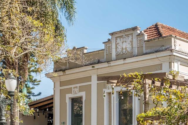 Casa na Rua Comendador Araujo 938 - detalhe da platibanda