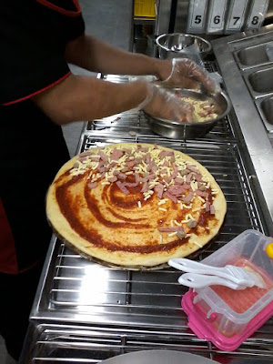 launching-pizza-hut-delivery-semarang